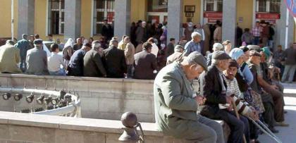 PTT'den emekli maaşı alanlara habersiz kredi şoku
