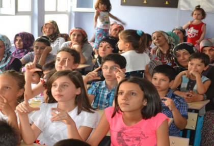 Öğrenciler, ücretsiz eğitimle Fen ve Anadolou Lisesi'ni kazandı