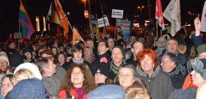 Almanya Köln'de binlerce katılımcı İSLAM için haykırdı