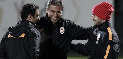 "Hamzaoğlu'ndan Sneijder'e: ""BAVULUNU TOPLA!"""