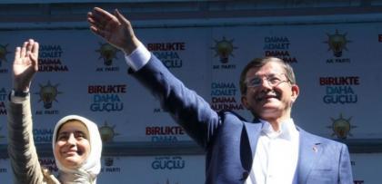 Başbakan Davutoğlu'nun konuşmasını yasakladı