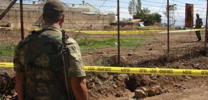 HDP'li belediyeler, PKK için askeri noktaların altına tünel kazıyor.