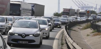 Bayram tatili için araç yoğunluğu artıyor
