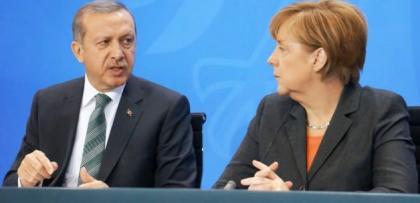 Merkel'in Türkiye ziyareti öncesi Almanya karıştı..