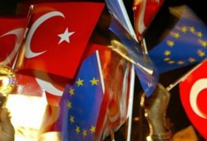 times: ab, turkiye'nin uyelik sureci sacmaligini bitirmeli