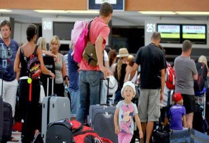 Rus tatil paketleri patladı.. Türkiye'ye uçak bileti karaborsada