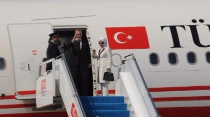 Erdoğan Rusya'ya gitti.. Uçaktaki sürpriz isim kim?