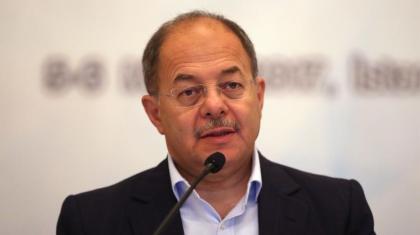 """Bakan Akdağ: """"12 bin 500 kişi için onay bekliyoruz"""""""