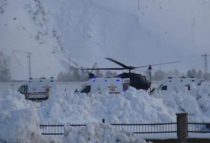 Bitlis'te çığ altında kalan 5 asker şehit.. 12 yaralı