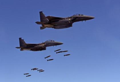 ABD jetleri 300 YPG'liyi bombalayıp gebertti..