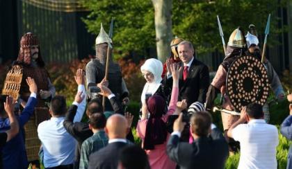 Erdoğan'ın muhteşem yemin törenine Araplardan büyük ilgi
